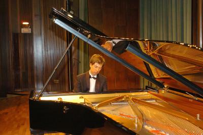 Mario Prisuelos. Recital de piano