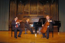Trío Mompou, Joan Lluis Jordà, Dimitar Furnadjiev y Luciano González Sarmiento. Concierto Zarzuela de cámara: tríos y sextetos , 2004