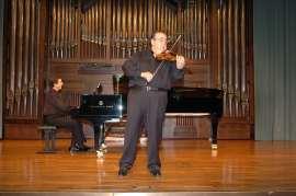 Gerardo López Laguna y Ángel Jesús García. Concierto Ars Gallica: un siglo de música de cámara francesa , 2004