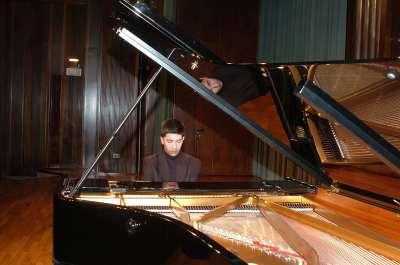 Iván Macías. Concierto Tercera tribuna de jóvenes intérpretes: el piano