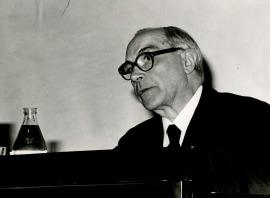 Rafael Lapesa en el ciclo El español de América, 1975