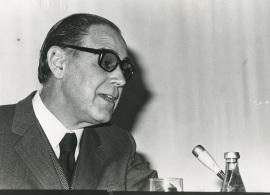 Alonso Zamora Vicente en el ciclo El español de América, 1975