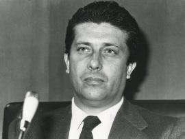 Federico Mayor Zaragoza en el seminario sobre La investigación científica en la Universidad, 1975