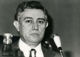 Carlos Sánchez del Río en el seminario sobre La investigación científica en la Universidad, 1975