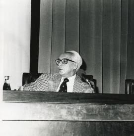 Severo Ochoa en el seminario sobre La investigación científica en la Universidad, 1975