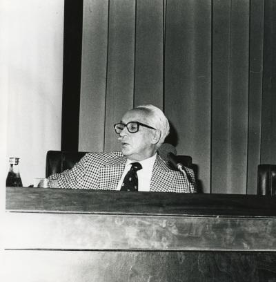 Severo Ochoa en el seminario sobre La investigación científica en la Universidad