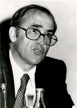 Miguel Artola en el curso universitario sobre Antiguo régimen y revolución liberal, 1975