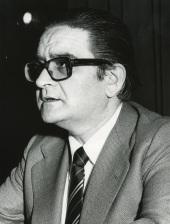 Luis Ángel Rojo Duque. Conferencia sobre La crisis de la economía keynesiana dentro del ciclo Teorías y hechos monetarios en la década actual , 1975