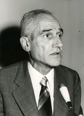 Antonio Badía i Margarit en el V Simposio de la Sociedad Española de Lingüística, 1975
