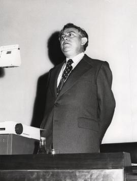 Carlos Sánchez del Río en el ciclo Problemática de las nuevas fuentes de energia, 1976