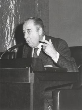 Francisco Ynduráin Muñoz en el ciclo Literatura Viva, 1976