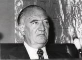 José María Alfaro en la presentación de las sesiones de conferencias del Grupo periodístico Europa, 1976
