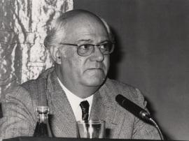 Alexandre Cirici Pellicer en el ciclo Sigmund Freud, 1976