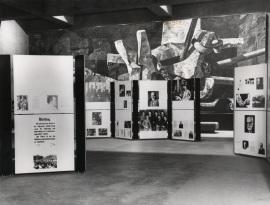 Salas de exposición con motivo del ciclo sobre Sigmund Freud, 1976