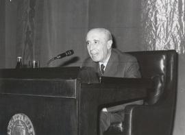 José Antonio Maravall. Conferencia sobre Feijóo en el pensamiento político y social de la Ilustración dentro del ciclo Centenario de Feijóo , 1976