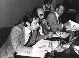 Juan Luis Cebrián en el ciclo sobre Lenguaje en Periodismo Escrito, 1977