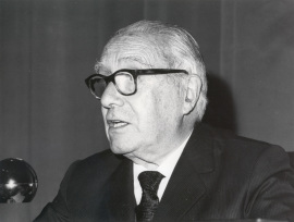 Enrique Lafuente Ferrari. Conferencia sobre Variación, distorsión y mutación en el arte de Picasso dentro del ciclo En torno a la Exposición Picasso , 1977