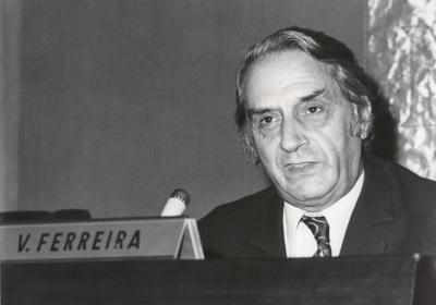 Vergilio Ferreira. Conferencia sobre Apresentaçao de un escritor dentro del ciclo Ciclo 50 aniversario de la Revista Presença