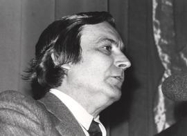 Antonio Bonet Correa en la conferencia inaugural de la exposición Francis Bacon, 1978
