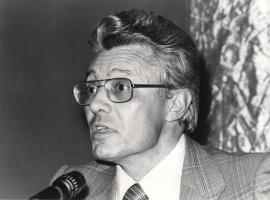 Francisco Ruiz Ramón. Conferencia sobre Marquina y el teatro de su tiempo: texto y contexto dentro del ciclo Homenaje a Eduardo Marquina en su centenario , 1979