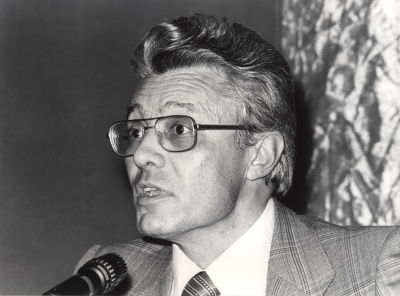 Francisco Ruiz Ramón. Conferencia sobre Marquina y el teatro de su tiempo: texto y contexto dentro del ciclo Homenaje a Eduardo Marquina en su centenario