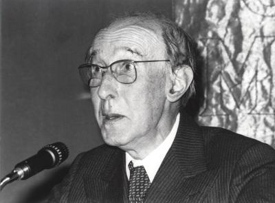 Gerardo Diego. Conferencia sobre Eduardo Marquina, poeta dentro del ciclo Homenaje a Eduardo Marquina en su centenario