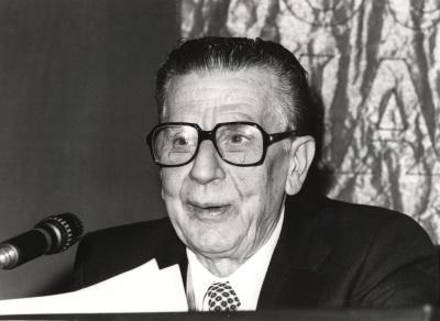 Antonio Sánchez Barbudo. Conferencia sobre La primera época (1898-1915) dentro del ciclo La obra poética de Juan Ramón Jiménez
