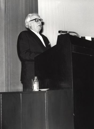Félix Klee. Conferencia sobre El arte de Paul Klee: entre 'naturaleza' y 'abstracción'. Conferencia inaugural de la Exposición Paul Klee