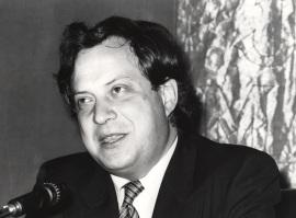 José Carlos Mainer. Conferencia sobre Viejos y jóvenes en torno a 1900 dentro del ciclo Cultura y públicos en la modernización de España (1900-1936) , 1981