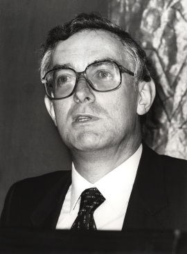 Víctor García de la Concha. Conferencia sobre La audacia de una reforma dentro del ciclo Teresa de Jesús : humanismo y libertad , 1981