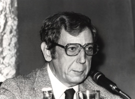 José María Valverde. Conferencia sobre Qué era la literatura dentro del ciclo La literatura, en peligro , 1981