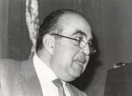 F. Fernando Lázaro Carreter. Conferencia sobre Comunicación poética y comunicación práctica dentro del ciclo Comunicación y lenguaje poéticos , 1982