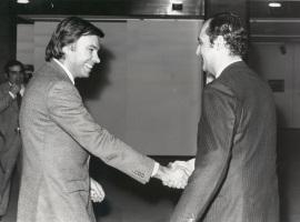 Felipe González y Carlos March Delgado. Conferencia sobre Has Europe got a future? dentro del ciclo Europa, hoy , 1982