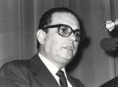Manuel Díez de Velasco. Conferencia sobre Le parlement européen dentro del ciclo Europa, hoy , 1982