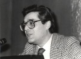 Guillermo Carnero. Conferencia sobre Sensibilidad frente a Ilustración en la poesía dentro del ciclo La cara oscura del Siglo de las Luces , 1983