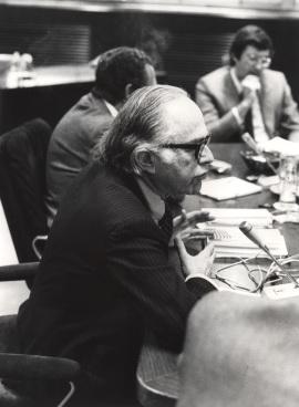 Bernard Schwartz en el Seminario sobre Autonomías Territoriales, 1983