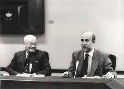 Massimo Severo Giannini yLorenzo Martín Retortillo en el Seminario sobre Autonomías Territoriales
