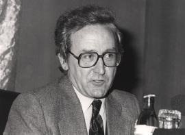 Elías Díaz García. Conferencia sobre ¿Qué es el socialismo? dentro del ciclo El socialismo, ayer y hoy , 1984