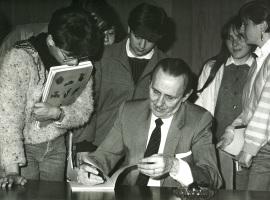 Antonio Buero Vallejo en el ciclo Literatura Española Actual, 1984