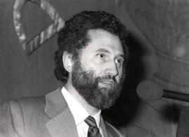Víctor Pérez Díaz. Conferencia sobre La hora de la transición dentro del ciclo La España de la transición , 1985