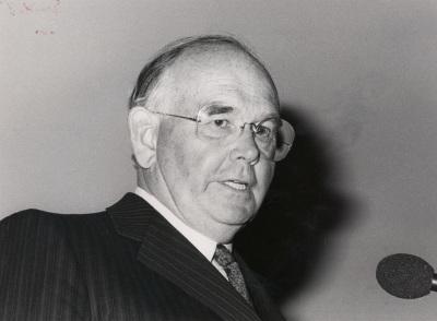 Peter Ludwig. Conferencia inaugural de la Exposición La vanguardia rusa(1910-1930) Museo y Colección Ludwing, Colonia