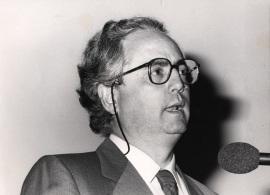 Francisco García Olmedo. Conferencia sobre Iniciación de la replicación del DNA - DNA y expresión genética , 1985