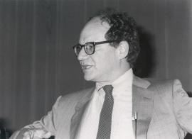 Gilbert Walter. Conferencia sobre Introns/exons: the evolution of the gene - DNA y expresión genética , 1985