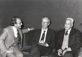 Andrés González Álvarez, Piet Borst y Severo Ochoa. Conferencia sobre Gene rearrangements controling gene expression - DNA y expresión genética , 1985