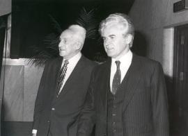 Severo Ochoa y Yuri Dubinin. Conferencia sobre Transcription promoters and expression of heterologic genes - DNA y expresión genética , 1985