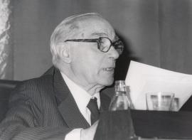 Rafael Lapesa. Conferencia sobre Herencia de los cancioneros cuatrocentistas dentro del ciclo Poesía lírica del Siglo de Oro. Los géneros , 1986