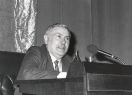 Constantino García. Conferencia sobre El gallego como lengua de cultura dentro del ciclo Mapa lingüístico de la España actual, 1986