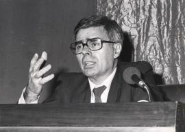 Antonio Fernández Alba. Conferencia sobre El espacio del arte en la construcción de la ciudad dentro del ciclo Arte, Paisaje y Arquitectura , 1986