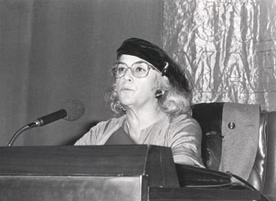 Carmen Martín Gaite. Conferencia sobre Mirando a través de la ventana dentro del ciclo El punto de vista femenino en la literatura española