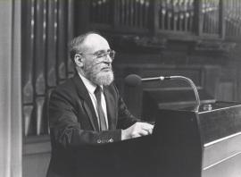 Miguel Alonso en la Presentación del catálogo de Conrado del Campo, 1986